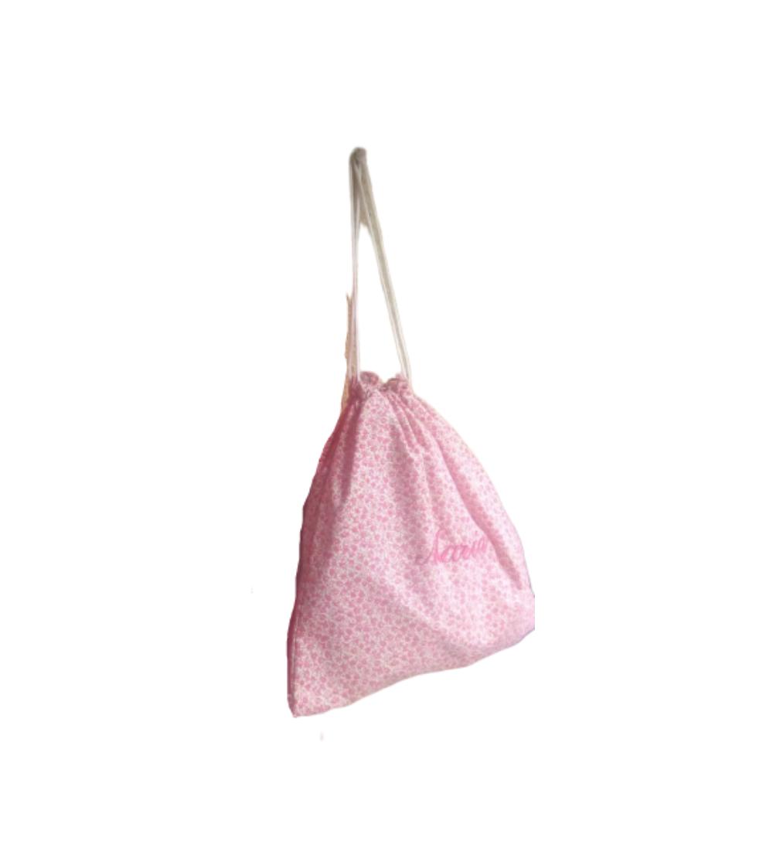 Bolsa de merienda de tela de flores con el nombre bordado