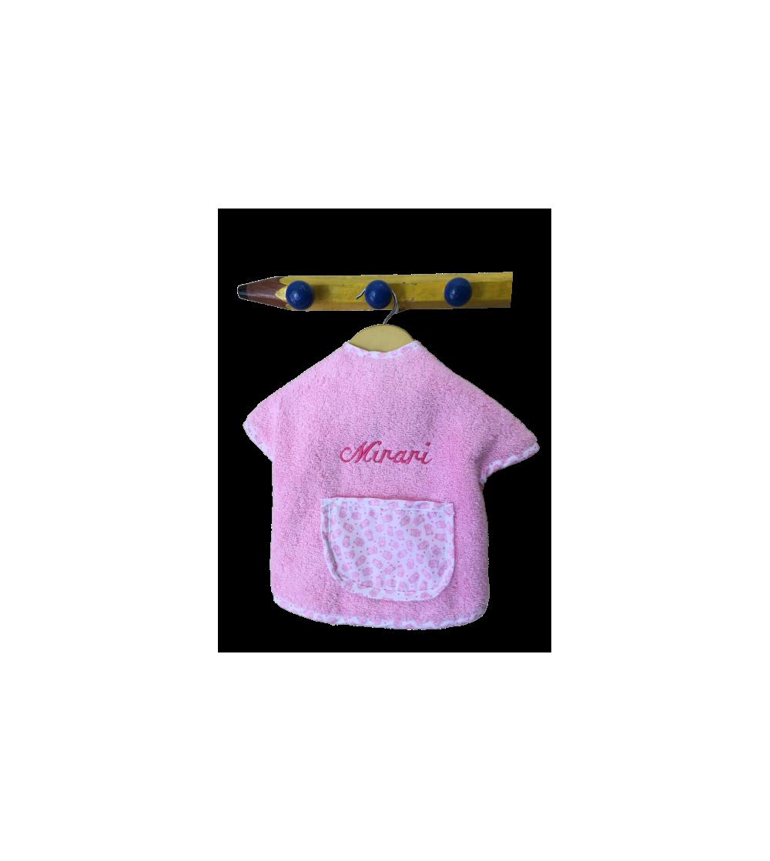 Babero de mangas pastificado con nombre bordado