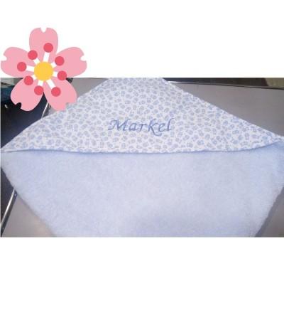 Capa de baño para bebé con capucha de tela y bordada con el nombre
