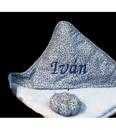 Capa de baño para bebé bordada